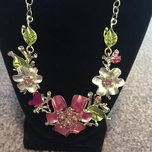 Jewelry - Sunday best floral fever necklace and earrings